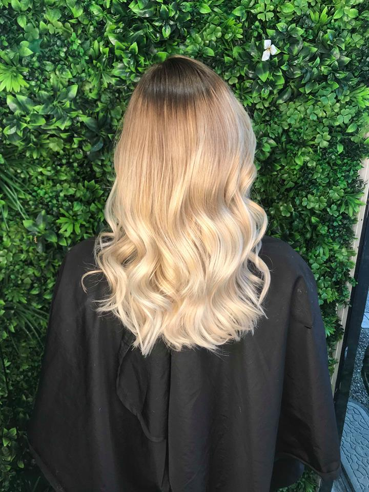 Balayage-root-strech_-Best-Gold-Coast-Hairdresser_Hair-La-Natural