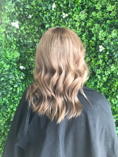 gold-coast-hair-dresser-root-stretch-balayage