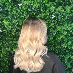 Balayage-root-strech_-Best-Gold-Coast-Hairdresser_Hair-La-Natural-2