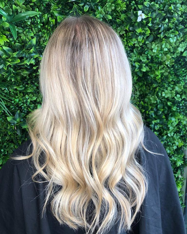 gold-coast-hair-dresser-soft-blonde-balayage-jamie