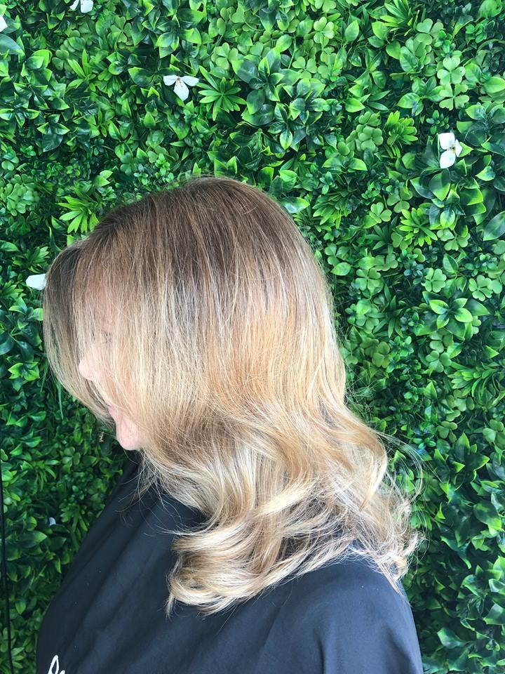 Balayage-root-strech_-Best-Gold-Coast-Hairdresser_Hair-La-Natural_Nicky-Kemp-2