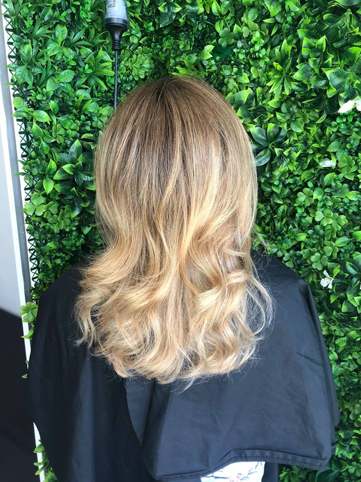 Balayage-root-strech_-Best-Gold-Coast-Hairdresser_Hair-La-Natural_Nicky-Kemp-3