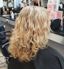 natural-curly-hair-cut