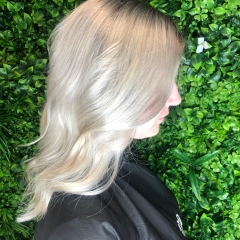 ash-gold-coast-hair-dresser-legally-balayage