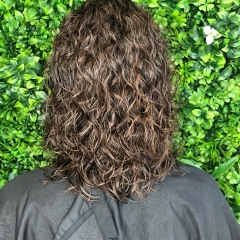 ashleigh-gold-coast-hair-dresser-bouncy-perm