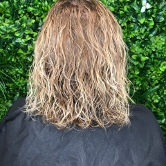 ashleigh-gold-coast-hair-dressers-soft-natural-perm