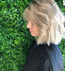 ashleigh-gold-coast-hairdresser-balayage-with-root-stretch
