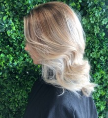 ashleigh-gold-coast-hairdressers-blonde-balayge-soft