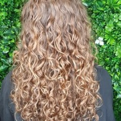 ash-curls-long