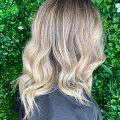 sam-gold-coast-hair-dresser-balayge-blonde
